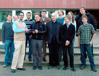 Alexander Schopf dankt Markus Lochmann für seine Arbeit
