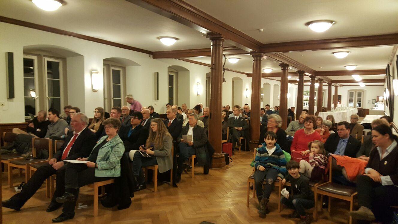 Viele Interessierte bei der Veranstaltung im Evangelischen Stift