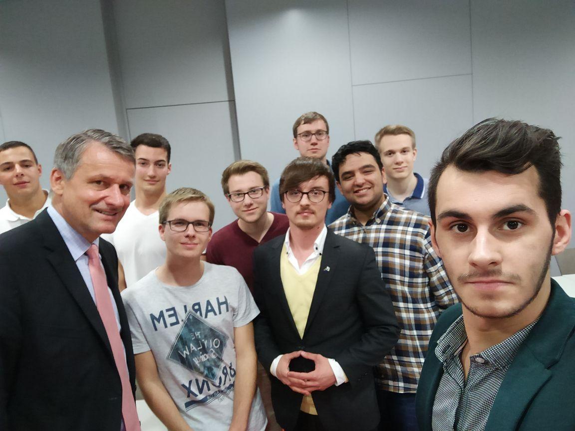 Selfie mit Ehrengast Hans-Ulrich Rülke